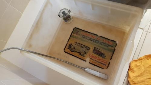 L'affiche dans le bain