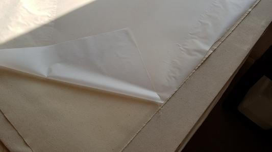 Et retournée pour la débarrasser du papier siliconé