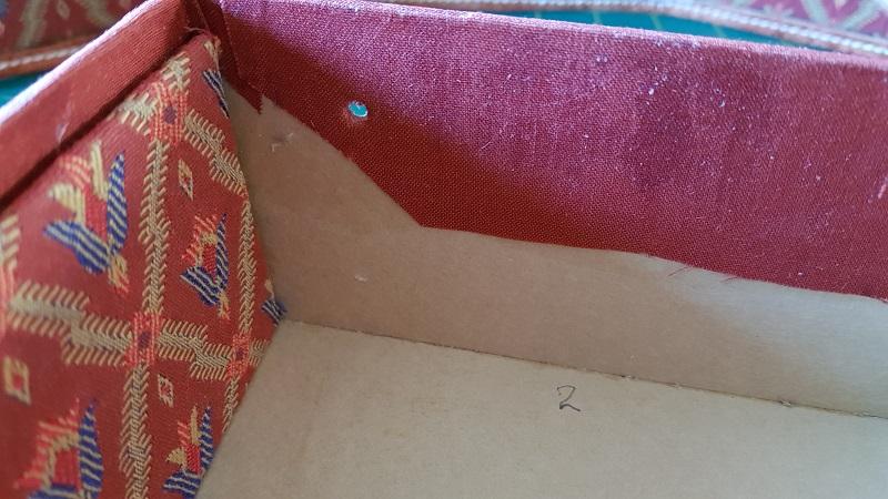 Boîte à bijoux-passage de la vis de fixation2