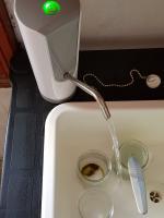 Evier robinet en marche