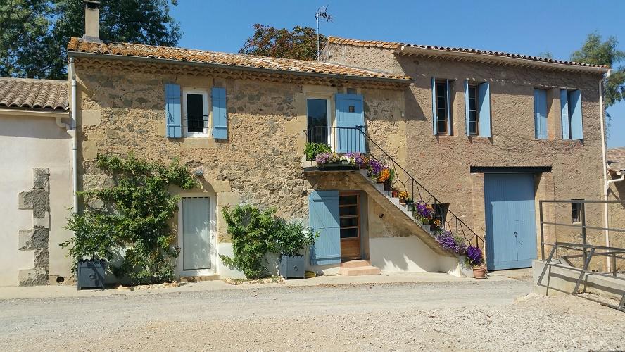 http://www.latelierderosabel.com/medias/images/facade-avant-de-la-maison.jpg
