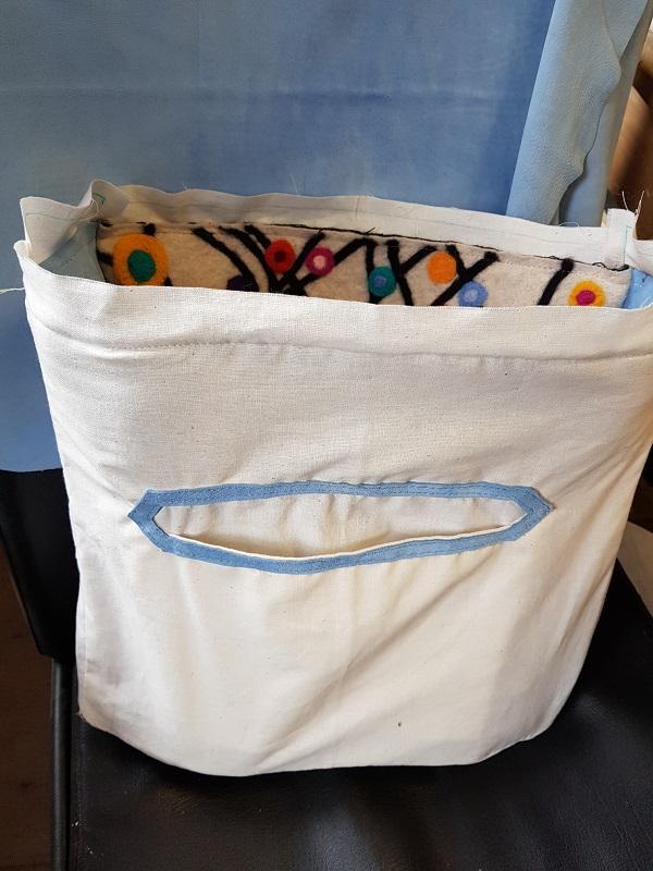 http://www.latelierderosabel.com/medias/images/feutrage19-couture-sac-et-doublure.jpg