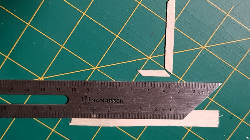 http://www.latelierderosabel.com/medias/images/marqueterie-avant-cagette-decoupe-1.jpg