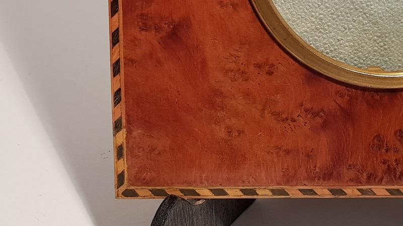 http://www.latelierderosabel.com/medias/images/marqueterie-pendant-gauche-retouche-peinture.jpg