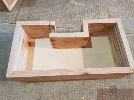 Ce tiroir épouse la forme de la multiprise