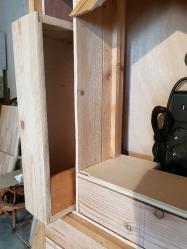 Le tiroir vertical gauche est inséré