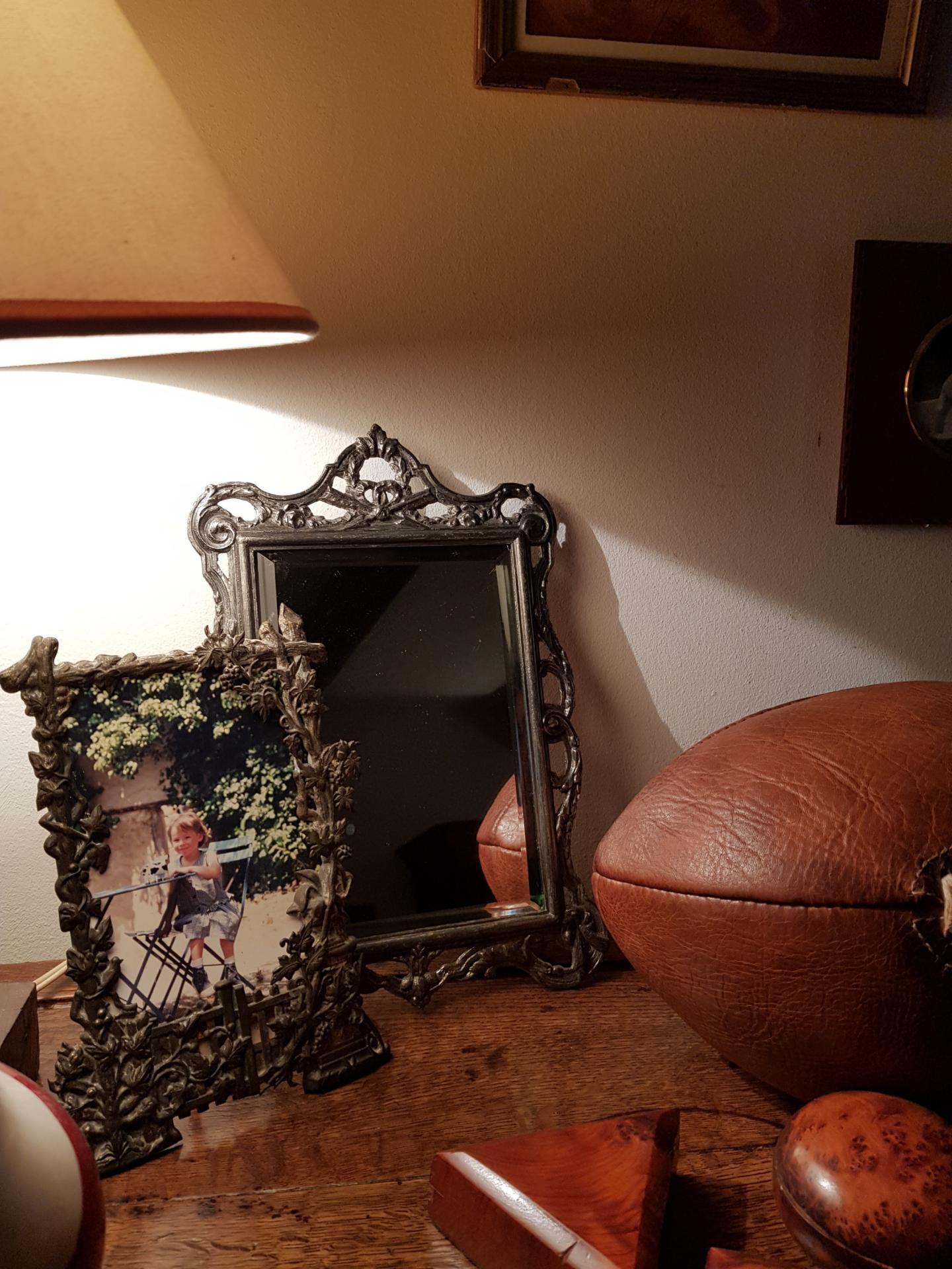 http://www.latelierderosabel.com/medias/images/miroir-dans-la-deco.jpg