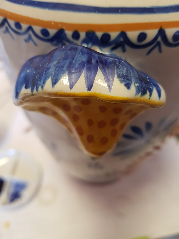 http://www.latelierderosabel.com/medias/images/quimper-11-reprise-du-bleu-anse.jpg