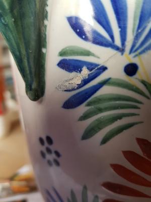 Bouchage à la colle et porcelaine