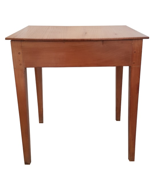 Vernistampon table louis xvi entiere